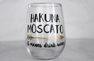 hakuna-moscato-sister-friend-mom-mothers-day-iam-tiffany-renee-the-maria-antoinette